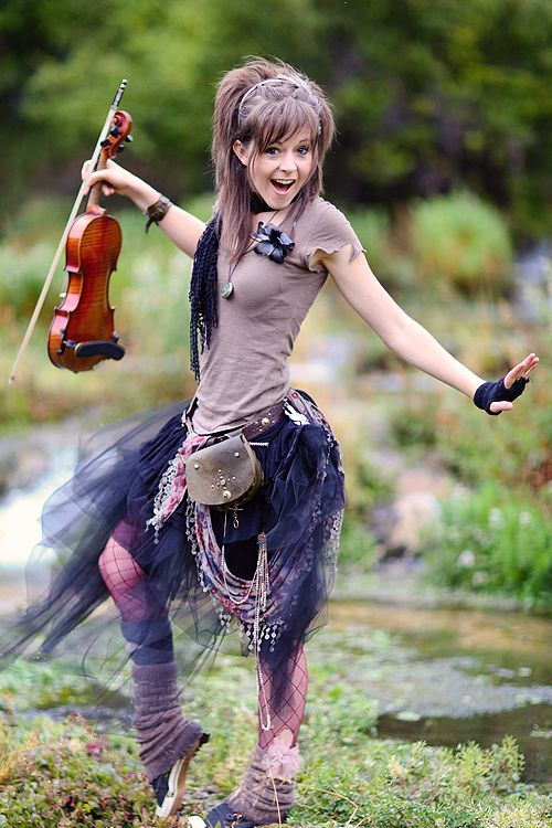 Lindsey Stirling height weight