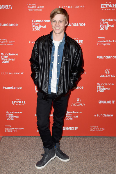 Nicholas Hamilton height weight