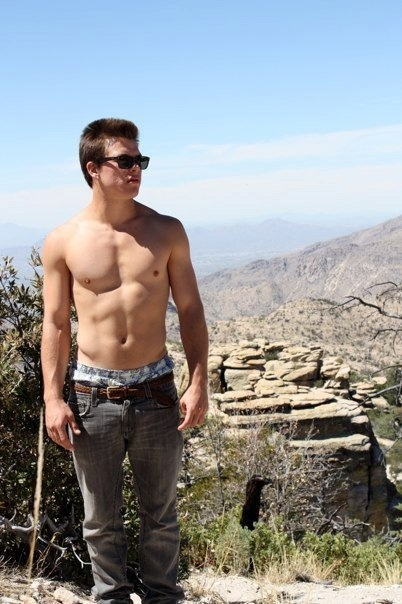 Jimmy Tatro height weight