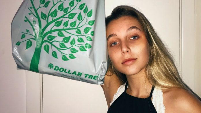 Emma Chamberlain height weight